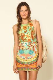 vestido recortes kamões color