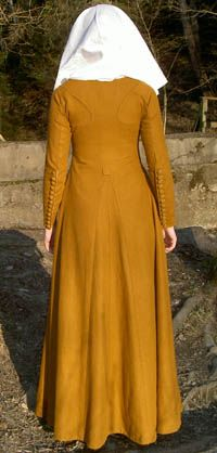 Moy Bog gown.