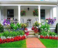 Impressive Front Porch Landscaping Ideas to Increase Your Home Beautiful 018 – GooDSGN #landscapingideas #LandscapingIdeas