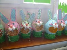 Good idea for animal sculptures with open mouths Easter Arts And Crafts, Spring Crafts, Diy And Crafts, Paper Crafts, Holiday Activities, Art Activities, Holiday Crafts, Collage Sculpture, Animal Sculptures