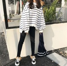 Trends You Must Know White Sweater Outfit Oversized Korean . - Trends You Should Know White Sweater Outfit Oversized Korean 25 … # korean - Korean Girl Fashion, Korean Fashion Trends, Korean Street Fashion, Ulzzang Fashion, Asian Fashion, Look Fashion, Classy Fashion, Trendy Fashion, Korean Outfits