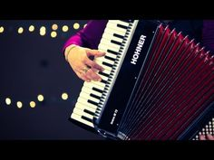 How to Play a Piano Accordion | Accordion Lessons - http://blog.pianoforbeginners.net/how-to-play-a-piano/play-piano-accordion-accordion-lessons