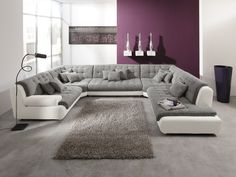 Eine Wohnlandschaft im ganz großen Stil. Viel Platz und Comfort sind garantiert. :)