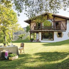 〚 Holiday all year round: wonderful country house in Spain 〛 ◾ Photos ◾Ideas◾ Design Adobe Haus, Forest House, Dream House Exterior, Stone Houses, Garden Spaces, Design Case, Beautiful Interiors, Porches, My Dream Home