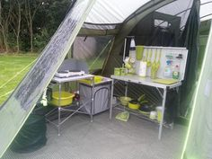 When camping, there is no heating, air conditioning or kitchen. So plan your trip properly and ahead of time. If you want helpful advice on making your camping trip more enjoyable and easier, read this article for some tips. When you're camping, always. Camping Set Up, Camping Glamping, Camping With Kids, Camping Gear, Outdoor Camping, Camping Stuff, Camping Games, Camping Storage Ideas Tent, Camping Kitchen Set Up