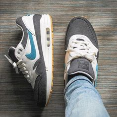 Mens Fashion Sneakers – The World of Mens Fashion Air Max 1, Nike Air Max, Classic Sneakers, Air Max Sneakers, Sneakers Nike, High Fashion Trends, Sneaker Store, Espadrilles, Minimalist Shoes