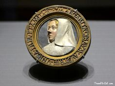 Medallion with a Portrait of Margaret of Austria by Conrad Meit 1528. Kundstkammer Wein, Vienna
