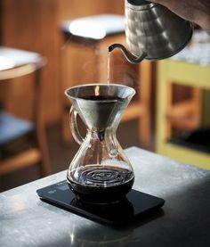 Coffee recipe Coffee drinks homemade coffee homemade iced all about coffee affo Irish Coffee, Coffee Cafe, Coffee Drinks, Coffee Shop, Drinking Coffee, Coffee Brewers, Nyc Coffee, Sweet Coffee, Coffee Lovers