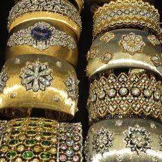 Dream Bracelets - Buccellati jewelry is available at Deutsch & Deutsch in Houston, TX. Gold Bangle Bracelet, Diamond Bracelets, Jewelry Bracelets, Bangles, Ladies Bracelet, High Jewelry, Modern Jewelry, Gold Jewelry, Jewelery