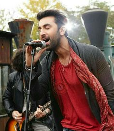 Here is another still from Ae Dil hai Mushkil of Ranbir Kapoor singing Bulleya…