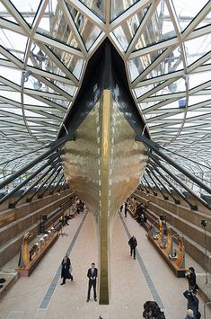 Bow of the restored Cutty Sark photo by Nils Jorgensen - Rex Features
