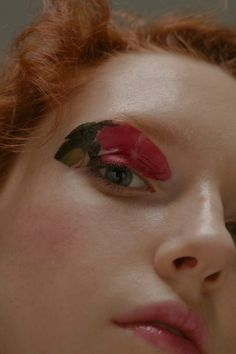 temporary tattoo as eye make-up