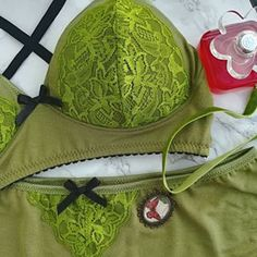 Green goes well with red also, so these are perfect for winter, but also summer, as this green is so versatile. Green Lingerie, Soft Bra, Lace Bows, Butterfly Pendant, Be Perfect, Underwear, Bohemian, Winter, Summer