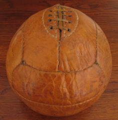 Balón de fútbol Hercules (España) 1930. (Colección particular de Pablo Gines)