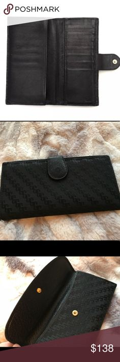 "GUCCI Continental Wallet Clutch GUCCI AUTHENTIC Continental Wallet Clutch. Used a few times in great condition.  Black Leather.  7.5"" x 4"".  Front snap close with long bill slot.  4 long bill slots, 7 credit card slots, ""GUCCI Made In Italy"" Embossed into Interior Leather. Gucci Bags Wallets"