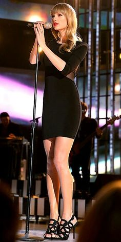 Taylor Swift  love those shoes!!!!!