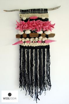 Bull - Toro - Hand woven wall hanging // weaving // telar decorativo made by WooL LooM - www.facebook.com/WooLLooM
