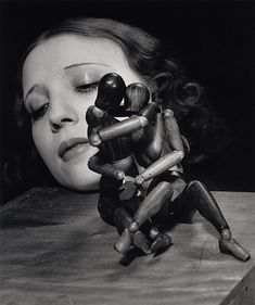 Man Ray: Mr and Mrs Woodman.
