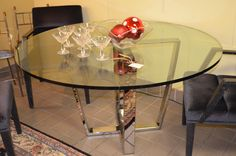 Round Dining Table, Glass Top.