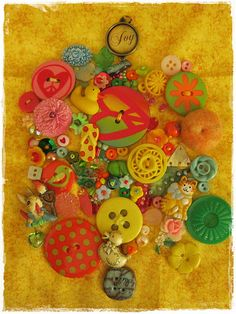 I love the bright colors! This would be fun to do with an eccentric collection of colorful buttons!