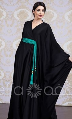beautiful abaya - the cinched in waist in the butterfly is pretty Arab Fashion, Muslim Fashion, Ethnic Fashion, Modest Fashion, Indian Fashion, Modest Dresses, Modest Outfits, Moda India, Arabic Dress