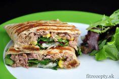 Celozrnná tortilla s tuniakovou náplňou Hamburger, Sandwiches, Tofu, Tacos, Paleo, Food And Drink, Beef, Healthy Recipes, Fish