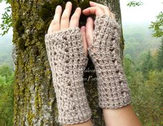 I designed these cabled fingerless gloves/mitts and I'm very proud of how they turned out. If you're interested I also published the pattern, you can purchase it on Etsy: https://www.etsy.com/it/shop/OldenPatterns?ref=hdr_shop_menu or Ravelry: http://www.ravelry.com/patterns/library/cabled-fingerless-gloves-4   #fingerless #gloves #mitts #crochet #cables #pattern #OldenPatterns