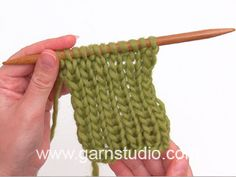 DROPS Knitting Tutorial: How to knit false English rib on circular needle Baby Knitting Patterns, Knitting Stitches, Free Knitting, Drops Design, Crochet Design, Magazine Drops, Bee Crafts, Knitted Slippers, Circular Needles