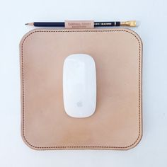 Leather Mouse Pad por CardinalGoods en Etsy