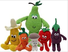 Zijn ze niet super leuk de VitaMinis van de Lidl? Die wil je toch gewoon allemaal in je keuken hebben staan haha. Toch lukt het vaak niet om ze allemaal te sparen, maar daar heeft Mrs. Hooked Crochet Fruit, Crochet Food, Crochet For Kids, Crochet Flowers, Crochet Baby, Free Crochet, Knit Crochet, Knitting Humor, Baby Knitting