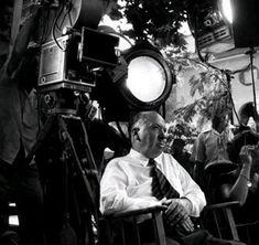 Biografia di Alfred Hitchcock   Figura indiscussa del cinema del mistero e di intrigo. : Educazione per la vita