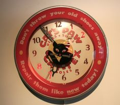 Vintage 1940s Cat's Paw Cat Wall Clock