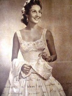 1955 O compositor e violonista Francisco Soares de Souza, em parceria com o poeta Rogaciano Leite, homenagearam, através da composição denominada EMÍLIA, a Miss Ceará e Miss Brasil 1955, Emília Correia Lima.