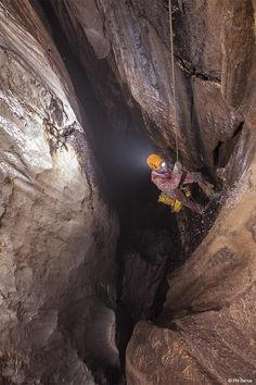 caving Kabylie © Phil Bence