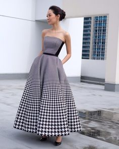 """Khun in Item Printed black houndstooth """"Orbitooth"""" corset bodice Item Printed black houndstooth """"Orbitooth""""… Striped Skirt Outfit, Striped Maxi Dresses, Cute Dresses, 1920s Dress Pattern, Wish Clothing, Strapless Dress Formal, Formal Dresses, Diva Fashion, Classy Dress"""