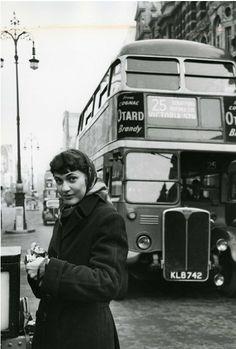 Ruth ORKIN in London, early 1950's