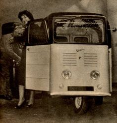 camionnetteVespa 4 Vespa Ape, Reverse Trike, E Scooter, 3rd Wheel, Cool Motorcycles, Antique Cars, Automobile, Antiques, Vehicles