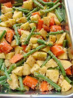 verduras al horno con queso parmesano   recetas originales con verduras Tasty Vegetarian Recipes, Veg Recipes, Healthy Recipes, Paleo, Clean Eating, Healthy Eating, Healthy Food, Good Food, Yummy Food