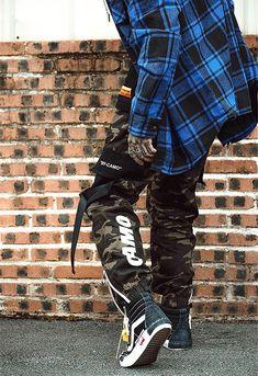 Urban Dayor is opening soon Mode Camouflage, Pantalon Streetwear, Security Badge, Pantalon Cargo, Style Japonais, Camo Pants, Japan Fashion, Joggers, Street Wear