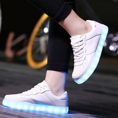58.00$  Watch here - http://aiw2b.worlditems.win/all/product.php?id=32767347257 - LED Shoes Light Up Flash Lumiouns Man Shoes MaiDun 2016 New Style Hot Fashion Man&Unisex 5 Color Choose Unisex Classic Size 6-15