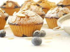 Briose cu Miere si Ovaz - the lemon flavour Muffin, Food And Drink, Breakfast, Morning Coffee, Muffins, Cupcakes