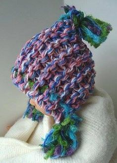 2f80e5ee568 Learn how to knit a simple hoodie hat pattern with this free knitting  tutorial! Created in a super chunk yarn