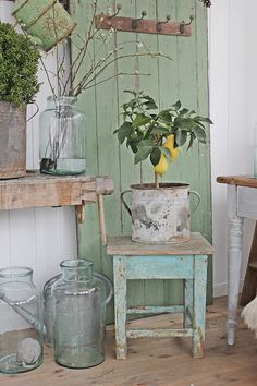 You can& use up CREATIVITY. Vintage Porch, Vintage Shabby Chic, Cozy Cottage, Cottage Style, Deco Champetre, Vibeke Design, Bohemian House, Deco Floral, French Country Decorating