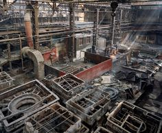 Old Factories #5. Shenyang Heavy Machinery Group, Tiexi District, Shenyang City, Liaoning Province, 2005. Photographer Edward Burtynsky