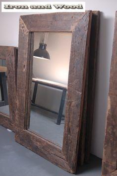 Grote robuuste industriële / industriele spiegels van sloophout / oude wagondelen kijk op www.ironandwood.nl