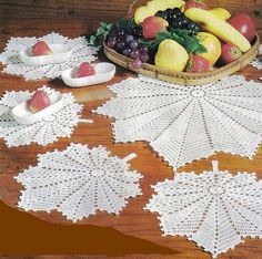 Crocheted tablecloths - the world of crochet Filet Crochet, Art Au Crochet, Crochet Doily Diagram, Crochet Fall, Crochet Home, Thread Crochet, Knit Or Crochet, Crochet Motif, Crochet Designs