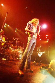 No use hiding in a corner, Led Zeppelin Iii, Robert Plant Led Zeppelin, El Rock And Roll, Rock And Roll Bands, Great Bands, Cool Bands, Hart Joe, Almost Famous Quotes, Houses Of The Holy