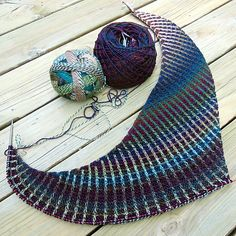 Ravelry: Radiant Gradient Boomerang by Susan Ashcroft