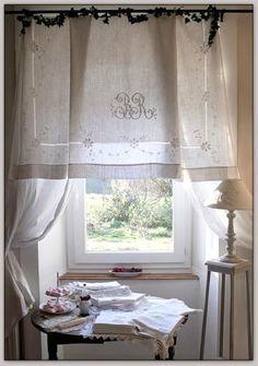Accueil - Le linge de jadis - Linge ancien - Antique & vintage French linen Plus Decor, Curtains, French Vintage Decor, Curtain Decor, French Linen Sheet, Vintage Linens, Lace Curtains, Sheet Curtains, French Linen
