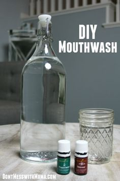 DIY Mouthwash - it's easy and cheap to make your own homemade mouthwash that's effective AND doesn't have the toxic chemicals in store-bought brands Essential Oil Uses, Doterra Essential Oils, Doterra Onguard, Young Living Oils, Young Living Essential Oils, Homemade Mouthwash, Homemade Beauty Products, Natural Products, Diy Beauty